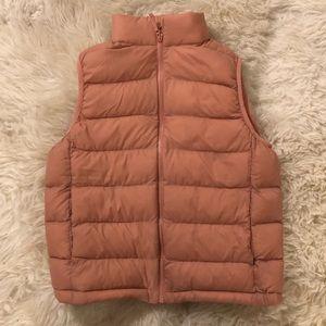 Uniqlo Girls Puff Vest - size 9-10